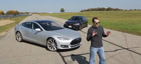 #Automoto souboj BMW M5 X TESLA Model S